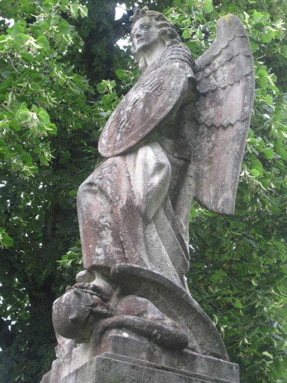 kriegerdenkmal_80_jahre_erzengel